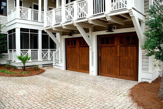 Nieuwe garagedeuren, op maat gemaakt