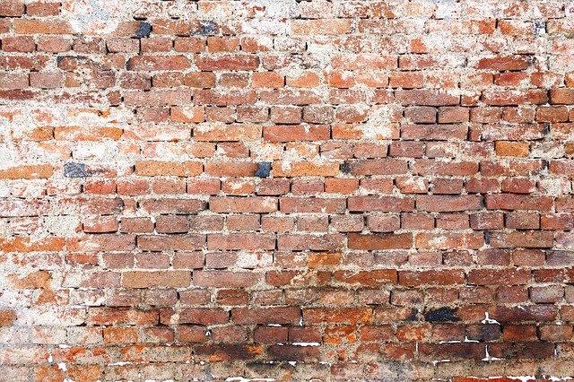 Oorzaken van vochtige muren met oplossingen