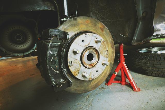 Hydraulic gereedschap in mechanische werkplaatsen voor auto's